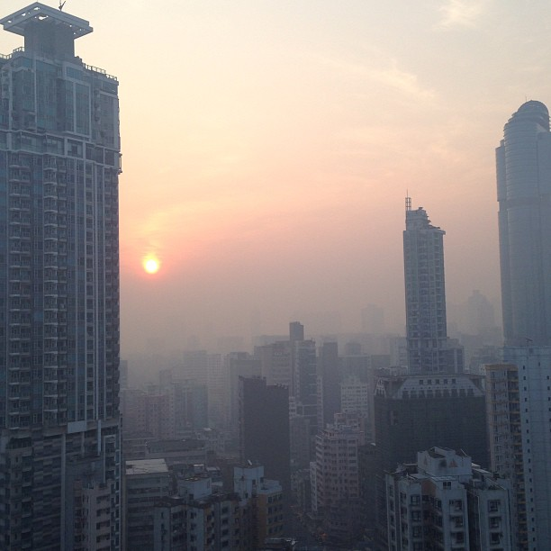 The #morning #sunrise through the air #pollution of #hongkong. #hk #hkig