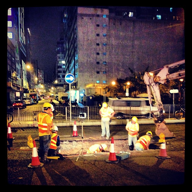 #night time #roadworks in #hongkong. #hk #hkig