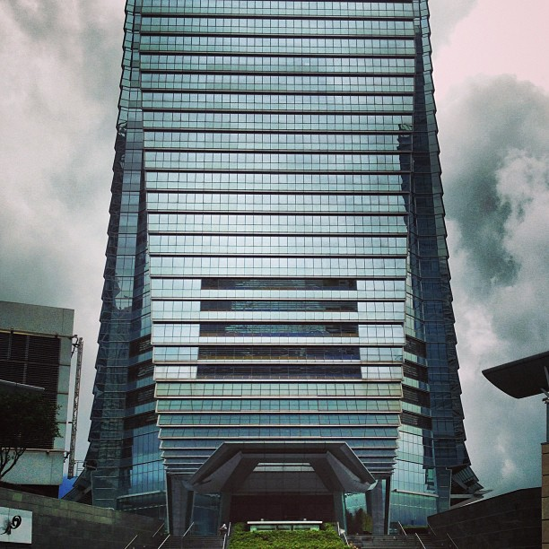 The #ICC #building against #stormy skies. #hongkong #hk #hkig #clouds