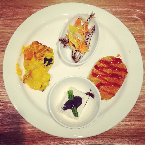 A four dish #meal at #cafe & meal #muji in #causewaybay #hongkong. #hk #hkig