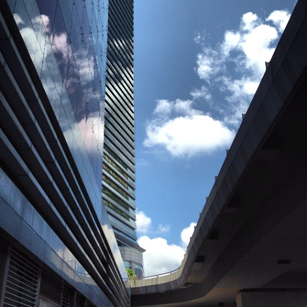 A #slice of #sky - #reflections of #clouds on the #ICC. #hongkong #hk #hkig