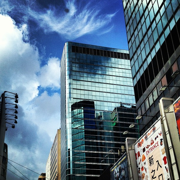 Good #morning #mongkok - #reflections of clouds and sky on #buildings of #glass and #steel. #hongkong #hk #hkig