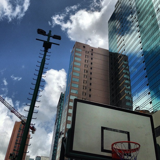 Lovely #evening for some #basketball? #buildings and #reflections of #clouds and #sky in #glass and #steel. #hongkong #hk #hkig #kwuntong