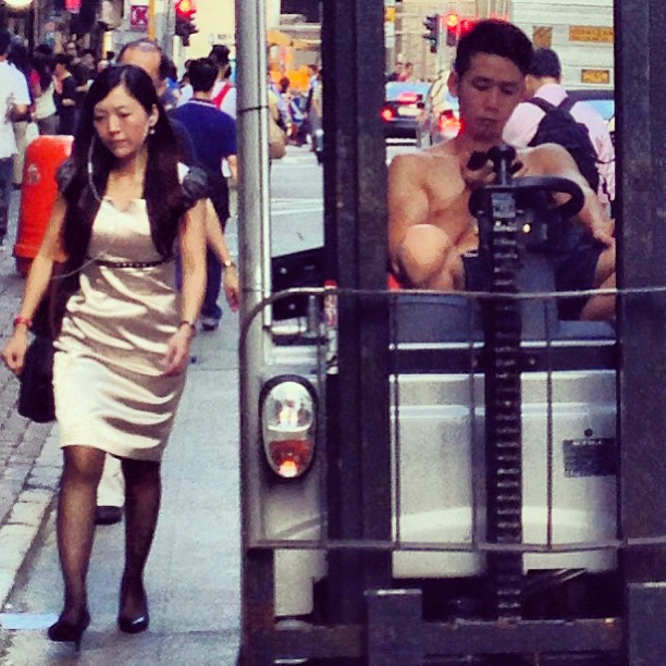 #contrast - the #forklift #driver and the office #lady. #hongkong #hk #hkig