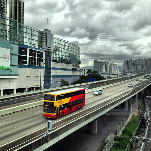 #perspective - a #bus speeds down a #hongkong #highway. #hk #hkig