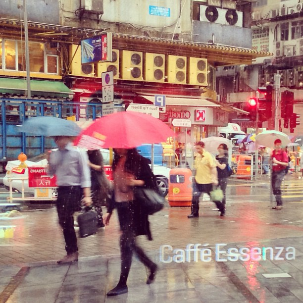 #rainy #morning in #kwuntong? forget about it with a good cup of #coffee at #Cafe Essenza. #hongkong #hk #hkig