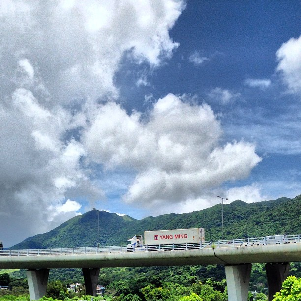 A #truck drives on a #newterritories #highway #road. #hongkong #hk #hkig