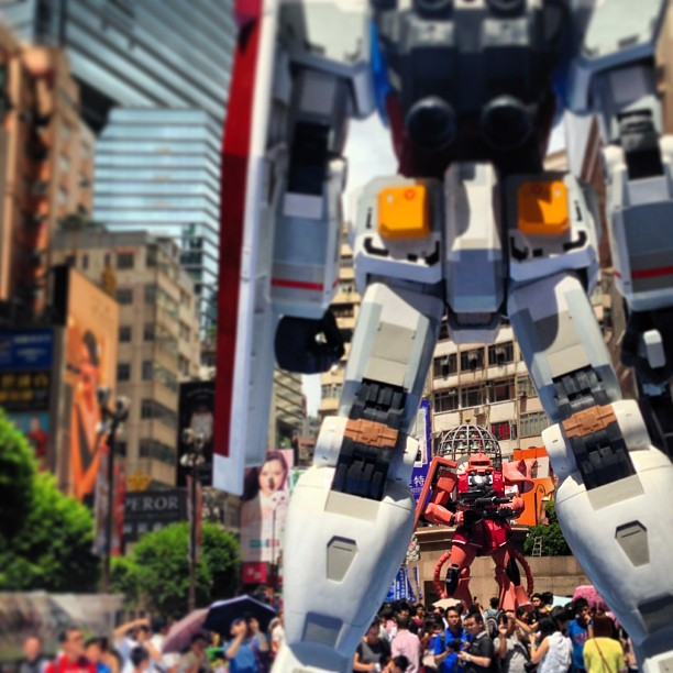 The #zaku has got the drop on the #gundam. #hongkong #hk #hkig #causewaybay