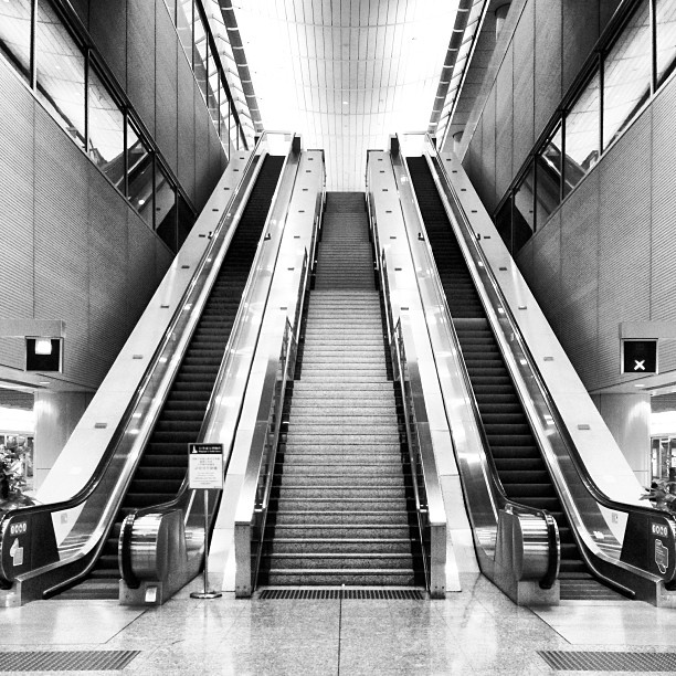 #abstract #mono - a quiet moment at the #escalators at #kowloon #mtr #station. #hongkong #hk #hkig