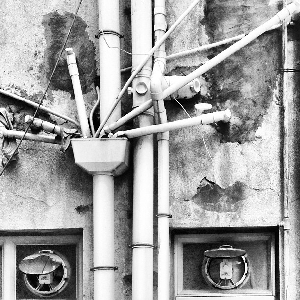 #urban #decay - intersecting #pipes from outdoor #plumbing. #hongkong #hk #hkig #mono