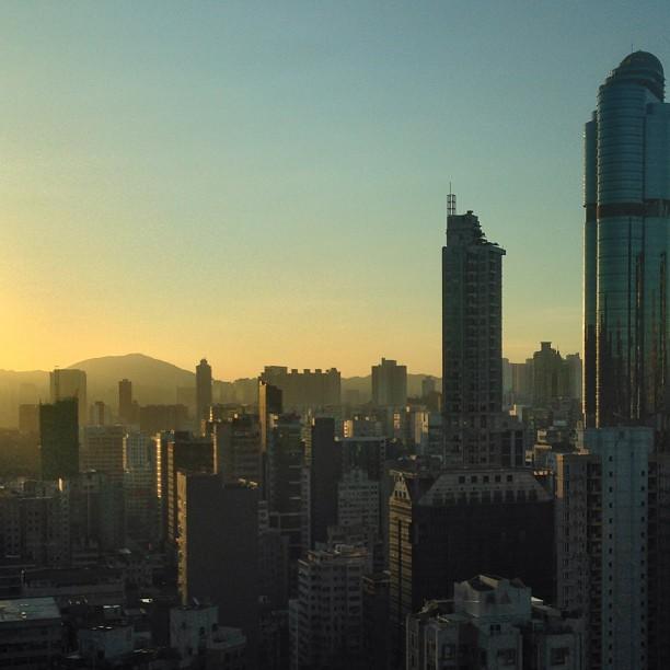 A golden #dawn in #mongkok. #morning #hongkong #hk #hkig