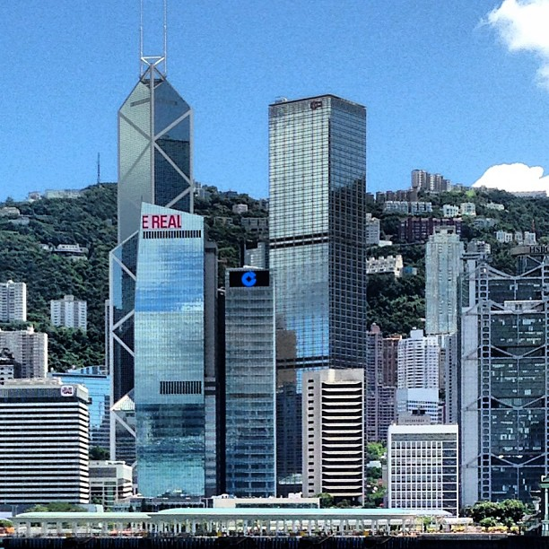 Beautiful #hongkong #island with its gleaming #skyscrapers and rolling hills. #hk #hkig