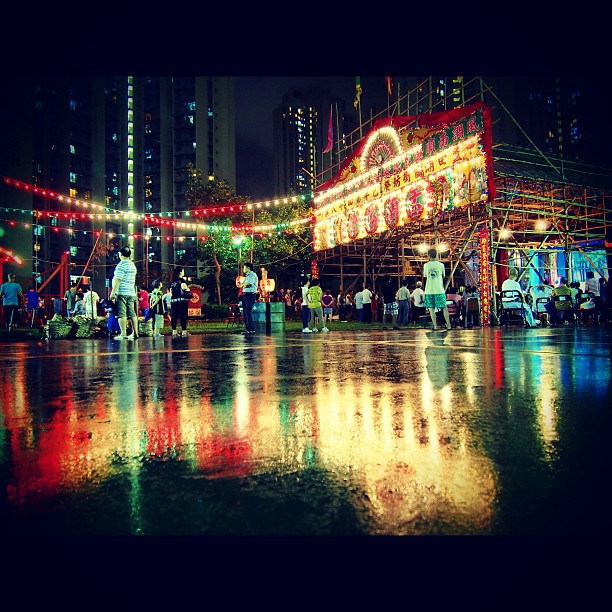 #reflections of lights on the wet ground of the #YuLan (Hungry Ghost) festival in #LamTin. #hongkong #hk #hkig