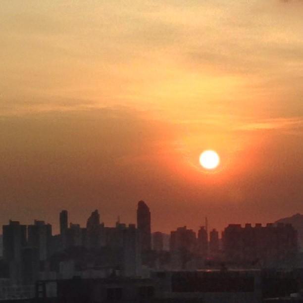 #sunset over #Kowloon #hongkong. #hk #hkig
