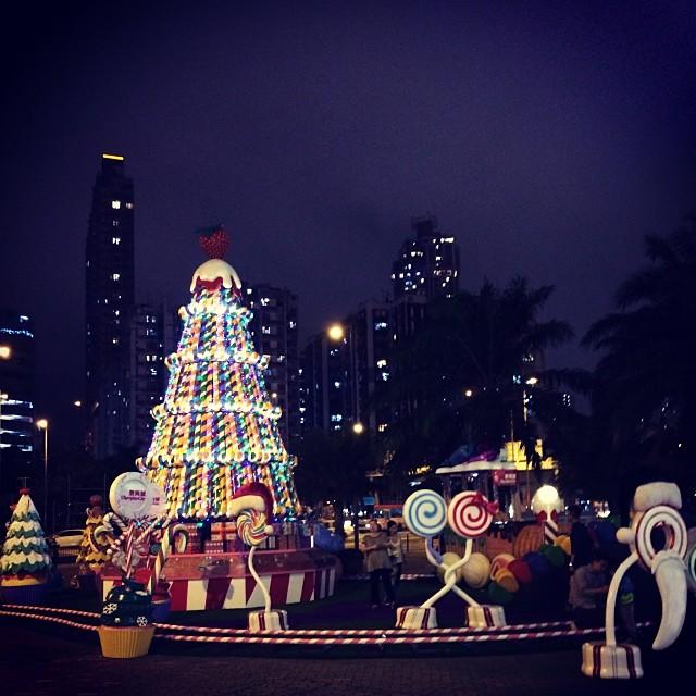A rather dystopian #Christmas display in #Hongkong. #hk #hkig