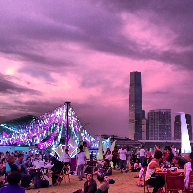 #evening at the #winendine #festival in #hongkong with #ICC in the background. #hk #hkig