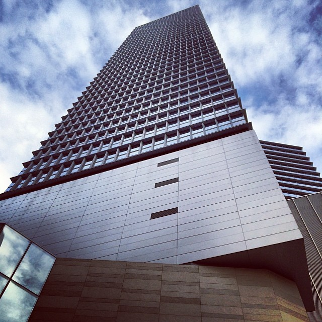 #lines and #angles in #architecture - #HysanPlace #building in #CausewayBay. #hongkong #hk #hkig