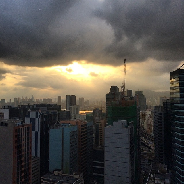 A #cloudy #evening in #kowloon. #hongkong #hk #hkig