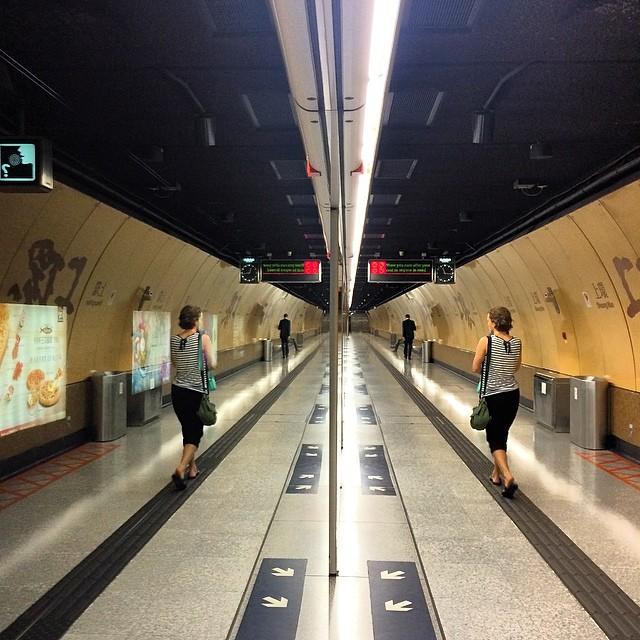 #mirror #tunnel - the #SheungWan #MTR #station. #hongkong #hk #hkig