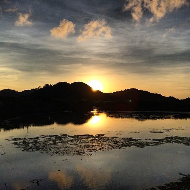 A beautiful #mirror #sunset on the #mudflats of #TaiO. #hongkong #hk #hkig