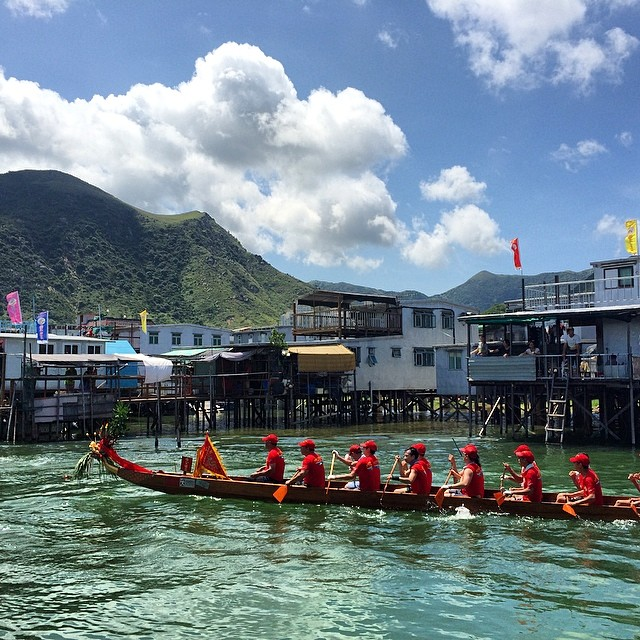 #dragonboat passing through the #canals of #TaiO. #hongkong #hk #hkig