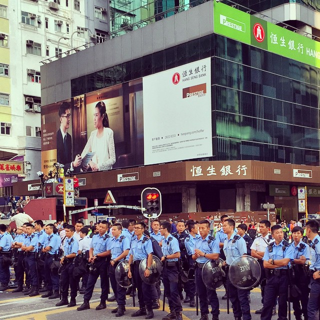 Day 21 of #OccupyHK in #Mongkok, after yesterday morning's clear out the protesters regrouped at night to retake #NathanRoad. Now, the junction of #ArgyleRoad and #NathanRoad is occupied not by protesters but by #police. #HongKong #hk #hkig