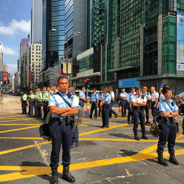 Day 22 of #OccupyHK in #Mongkok. We're entering a 3rd week of protests now. #police maintain control of the #ArgyleRoad / #NathanRoad junction. #HongKong #hk #hkig