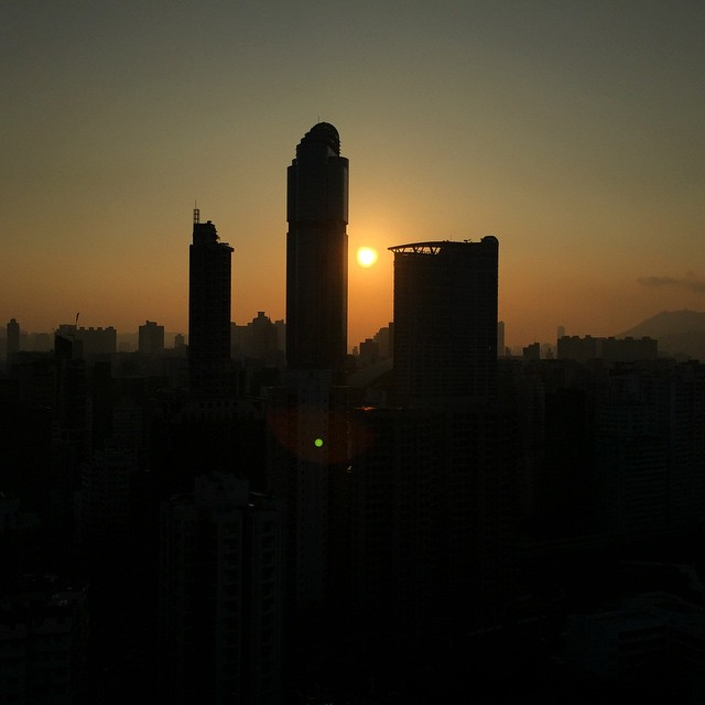 Good #morning #HongKong - a #silhouette of #LanghamPlace in #Mongkok on a winter's #dawn. #hk #hkig