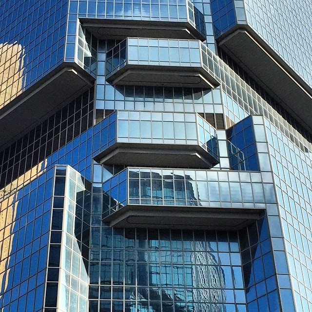 The #architecture of #LippoCentre, up close. A stunning arrangement of #glass and #steel. #HongKong #hk #hkig