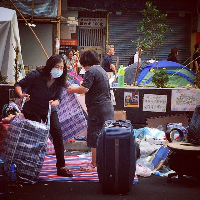 Today is the clearout day for #OccupyHK #Mongkok. #protesters are packing their #bags, folding their tents and getting ready for the long day ahead. #HongKong #hk #hkig