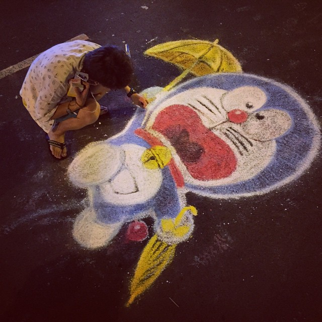 #chalk #artist at work at #OccupyHK #Admiralty on #HarcourtRoad - #doraemon with #YellowUmbrella. #HongKong #hk #hkig