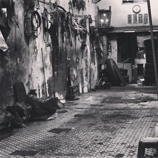 An old #garage in #TaiKokTsui, #HongKong. #HK #hkig