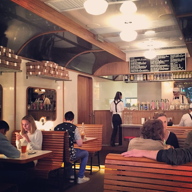 #BurgerCircus is an American #diner themed burger joint in #Central, #HongKong. Even their waiters are dressed in the old 60s diner style. #HK #hkig