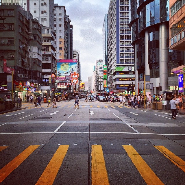 Grey #evening in #Mongkok. #crosswalk #HongKong #hk #hkig