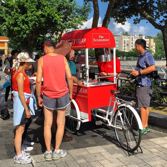 @TheEconomist has an #icecreamcart out on #StanleyPromenade today. They're dishing out free INSECT #icecream. #Stanley #TheEconomist #streetcart #HongKong #hk #hkig
