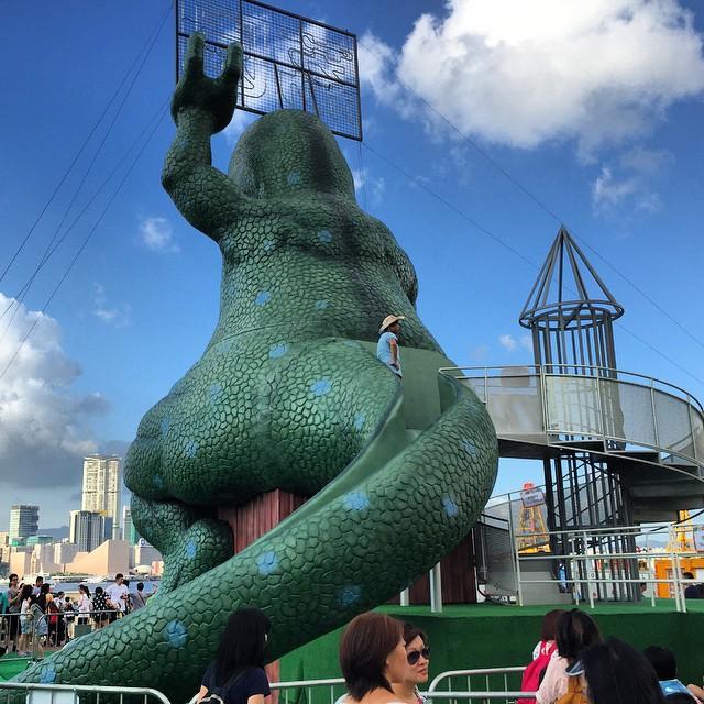 The backside of a #dinosaur #slide at #LaiYuen #carnival in #Central, #HongKong. #HK #hkig