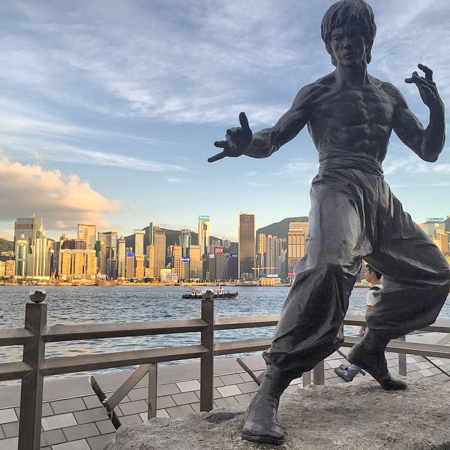 The iconic #BruceLee #statue on the #AvenueOfStars in #TsimShaTsui. #HongKong #hk #hkig