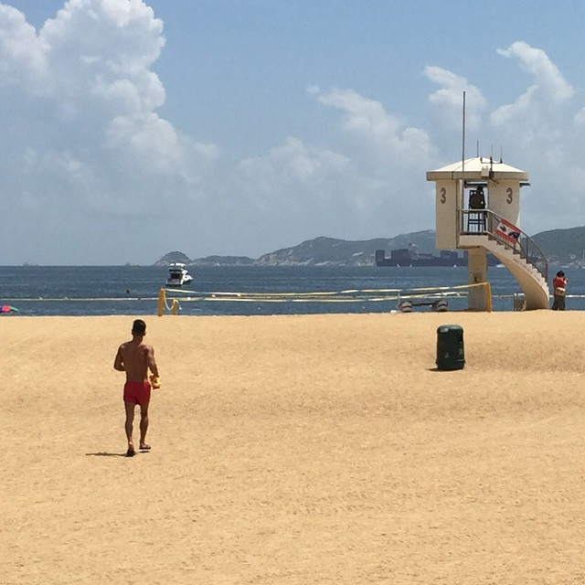 The #lifeguard heading out to hut no. 3 on #RepulseBay #beach. #summer #HongKong #hk #hkig #RepulseBayBeach