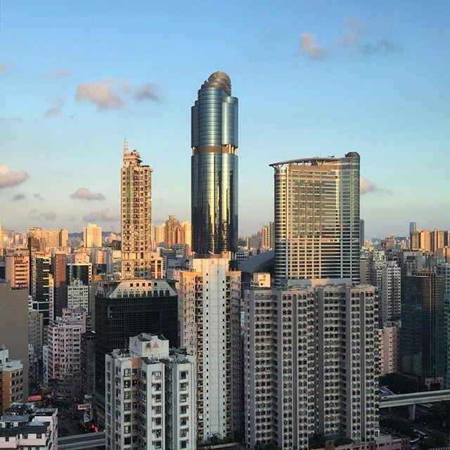 #evening in #Mongkok. #langhamplace reflects the evening light. #HongKong #hk #hkig
