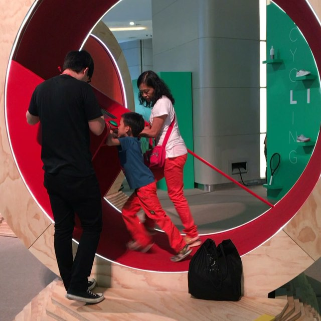 There's a human #hamsterwheel at #HysanPlace in #CausewayBay. #hongkong #hk #hkig #video #instavid
