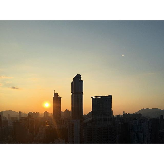 #sunrise over #Mongkok in #Autumn. #langhamplace is a #silhouette. #hongkong #hk #hkig