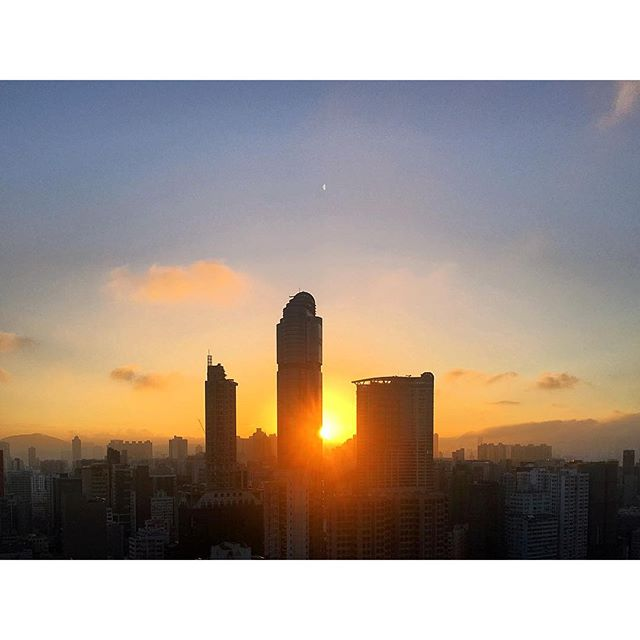 Just another #sunrise over #LanghamPlace in #Mongkok. #hongkong #hk #hkig