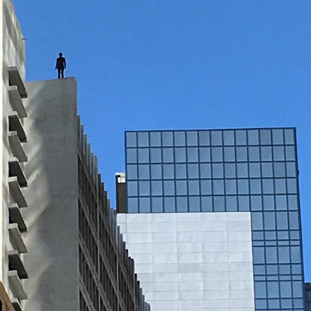 #LookUp it's a #jumper! Nope, it's #installationart all over #Central #hongkong. It's #EventHorizon by Brit artist #AntonyGormley. 31 #statues, life sized, are installed on #rooftoops and streets all over Central and western Hong Kong. #HK #HKIG #art