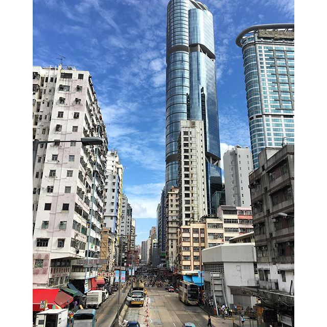 Looking up at #lamghamplace while on #ArgyleStreet in #Mongkok. #hongkong #hk #hkig