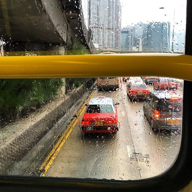 A #HongKong #taxi as viewed from a #bus through the #rain. #HK #hkig