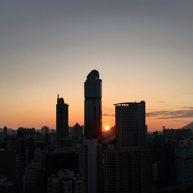 A #silhouette of #LanghamPlace on a #winter #sunrise. #mongkok #dawn #HongKong #hk #hkig