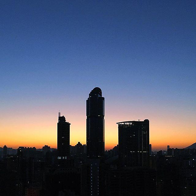 #ChineseNewYear 2016 #morning. The #dawn of the year of the #FireMonkey. #Mongkok #sunrise over #LanghamPlace. #HongKong #hk #hkig #cny