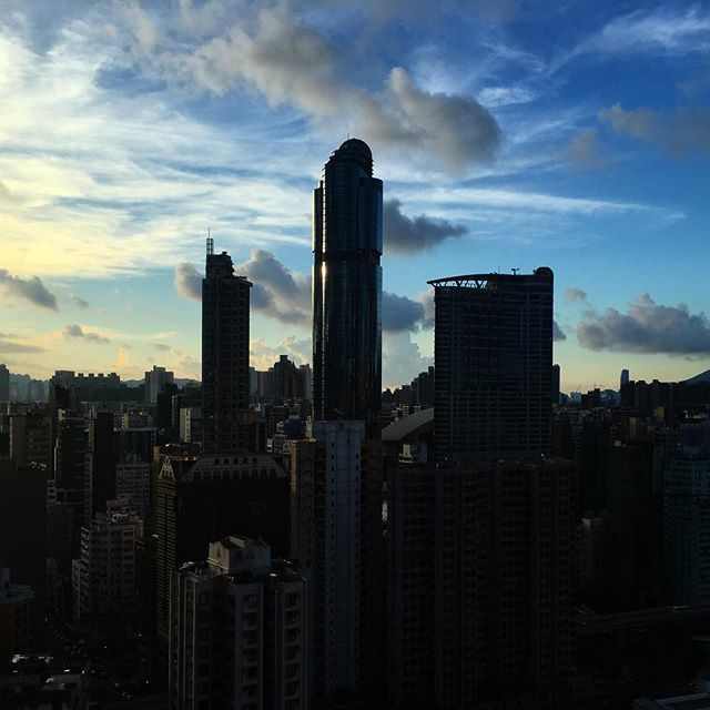 #watercolour sky. #LanghamPlace in #Mongkok in the #morning. Too bad the phone cam doesn't have enough dynamic range to capture the scene. #hongkong #HK #hkig