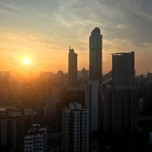 #midautumn #sunrise over #langhamplace in #Mongkok. #hongkong #hk #hkig