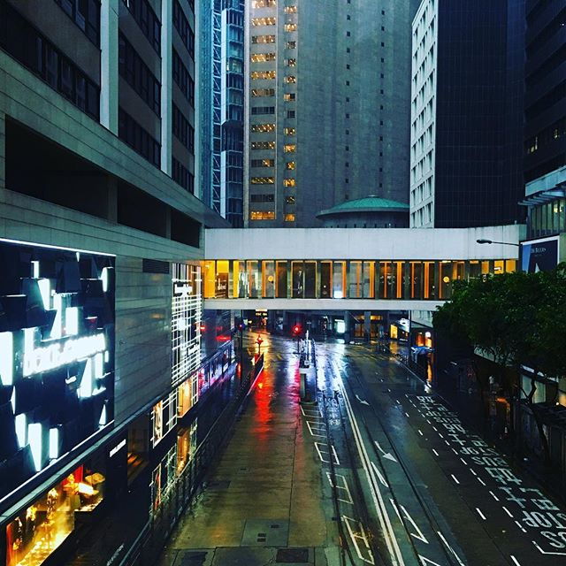 An empty #Central, #HongKong during the #T8 of #Typhoon #Haima. #hk #hkig #TyphoonHaima